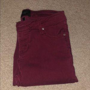 Mid rise skinny maroon pants